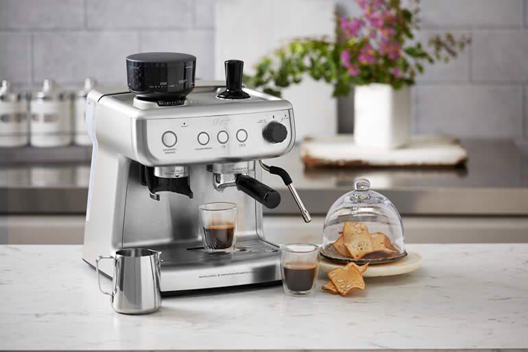 Oster se ha inspirado en esta tendencia y en máquinas de café