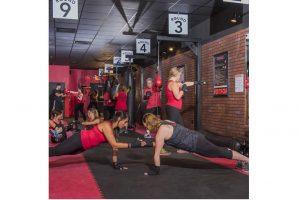 mil 400 espacios para practicar todo tipo de ejercicios de acondicionamiento físico, individual y colectivo.
