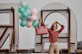 cinco gamas de producto: bolsos, equipo de viaje, accesorios