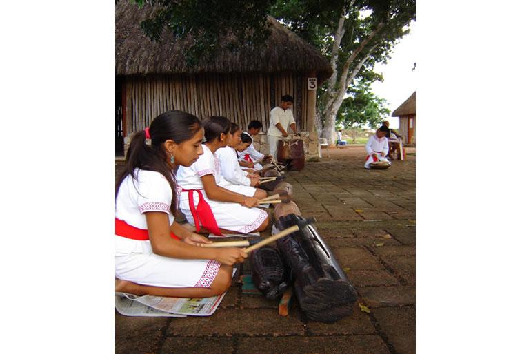 promueven-el-turismo-cultural-de-quintana-roo2.jpg