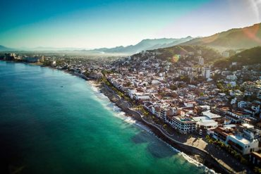 dale-la-bienvenida-al-2021-en-puerto-vallarta1.jpg