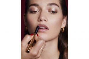 conoce-el-nuevo-luxe-defining-lipsticks-de-bobbi-brown-1.jpg