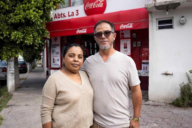 coca-cola-continúa-apoyando-las-tienditas-mexicanas1.jpg