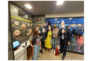 mcdonald's-abre-punto-de-venta-interactivo-en-kidzania-santa-fe1.jpg
