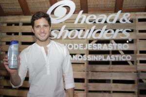 HEAD & SHOULDERS PRESENTA BOTELLA RECICLABLE DE SHAMPOO2